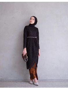 Fashion Hijab Dress Black Ideas - New Ideas Fashion Hijab Dress Black 56 Ideas Fashion Hijab Dress Kebaya Modern Hijab, Dress Brokat Modern, Model Kebaya Modern, Kebaya Hijab, Kebaya Dress, Model Kebaya Muslim, Kebaya Lace, Hijab Gown, Hijab Style Dress