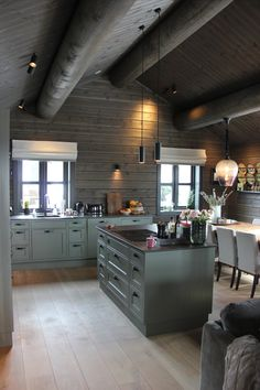 Farmhouse Kitchen Cabinets, Kitchen Cabinet Design, Modern Kitchen Design, Green Kitchen, New Kitchen, Kitchen Interior, Diy Kit, Cabin Kitchens, Interior Design Magazine
