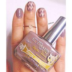 So ein wunderschönes mauviges Taupe  Benutze ich viel zu selten ... El Corazon N° 887 - Essie 'topless&barefoot'. #elcorazon #essie #essiepolish #nailpolish #nagellack #hypnoticpolish #nailsart #notd #nails #nailsoftheday #nailswag #nailporn #nagellacksucht #nailart #nailsdid #nailstagram #nails2inspire #Beautygram #germanblogger #drogerie #dm_einfachschoen #dmdeutschland #rossmann #beautyblogger_de #beautyblogger #bblogger #instanails #cutenails #nailsdone #tjakasasnails