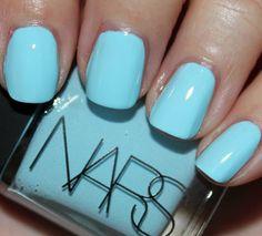 neon aqua nails