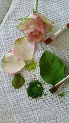Cupcakes Fondant Flores Gum Paste 39 New Ideas Sugar Paste Flowers, Wafer Paper Flowers, Icing Flowers, Fondant Flowers, Handmade Flowers, Diy Flowers, Fabric Flowers, Wedding Flowers, Fondant Rose
