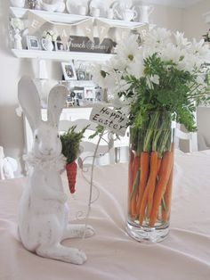 Junk Chic Cottage shares her carrots and daisy vase.  I absolutely adores this idea!!!!!
