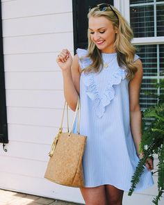 Simple Summer to Spring Outfits to Try in 2019 – Prettyinso Cute Dresses, Casual Dresses, Fashion Dresses, Summer Dresses, Maternity Dresses Summer, Preppy Outfits, Preppy Style, Cute Outfits, Blue Style