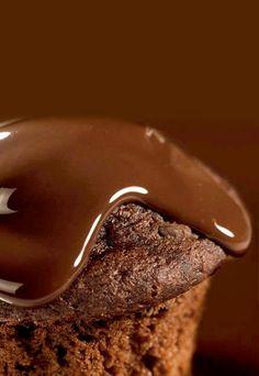 Receta: Muffins de Chocolate - Recetas de Postres de Chocolate Sweet Desserts, Delicious Desserts, Yummy Food, Chocolate Lovers, Chocolate Desserts, My Best Recipe, Desert Recipes, Cupcake Cakes, Bakery