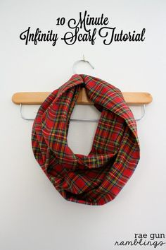 Infinity Scarf Tutorial two ways. Use 1/2 yard for one scarf or a full yard for 2 at Rae Gun Ramblings #fabulouslyfestive