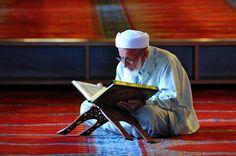 احمد ربك أن هداك للإسلام وثبتك على الإيمان وعلمك القرآن ووفقك لإتباع سنة نبيه صلى الله عليه وسلم فوالذي نفسي بيده إنها من أعظم النعم.