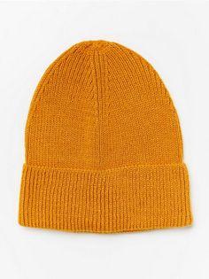 Gul Stickad mössa 129:- | Lindex Knitted Hats, Beanie, Knitting, Fashion, Damask, Moda, Tricot, Fashion Styles, Knit Caps