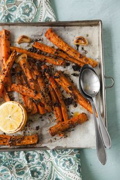 Roasted carrots. Food & style Kati Pohja, photo Arto Vuohelainen. Glorian Ruoka&Viini Magazine 3/2013