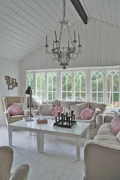 Neutral room, Pink pillows