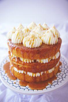 Cream Cheese and Salted Caramel Cake | La Pêche Fraîche