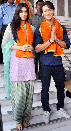 Photos: Tiger Shroff, Kriti Sanon at Babulnath temple - entertainment Bollywood Couples, Bollywood Stars, Bollywood Fashion, Indian Celebrities, Bollywood Celebrities, Beauty Full Girl, Beauty Women, Tiger Shroff Body, Manish Malhotra Designs