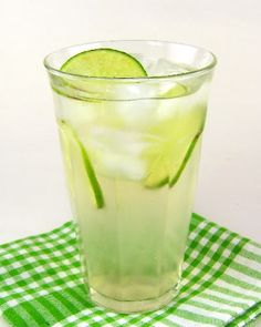 Homemade Ginger Ale and Candied Ginger - Vivian's Healthy Recipes Daily Remedies For Nausea, Natural Remedies, Ginger Ale Drinks, Homemade Ginger Ale, Gourmet Recipes, Healthy Recipes, Skinny Recipes, Lunch Recipes, Sweets