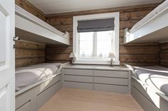 One room used for bunk beds incase a bunch of nieces and nephews stay over Cabin Homes, Log Homes, Home Bedroom, Modern Bedroom, Bunk Rooms, Bunk Beds, Sleeping Porch, Interior Desing, Cottage Interiors