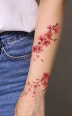 Girl Arm Tattoos, Dream Tattoos, Sister Tattoos, Love Tattoos, Body Art Tattoos, Small Tattoos, Tattoos For Women, Cherry Blossom Tattoo Shoulder, Tattoo Trend