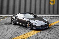 McChip-DKR Porshce 911 Targa 4 GTS with GT3 RS look