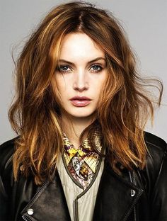 Golden brown messy waves Great hair