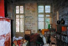 Mitasov: Home Graffiti. A Ukranian hyper-obsessive personality who suffered from Horror Vacui, the fear of Empty Spaces.