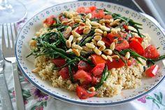 Zilte couscous met tomaat, zeekraal en pijnboompitten
