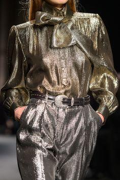 Alberta Ferretti at Milan Fashion Week Fall 2018 - Details Runway Photos