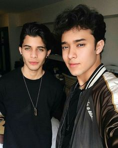 Read Primer dia 😍 from the story Joerick - Amor a primera sonrisa- 😉 by yoselin_Joerick (Yoselin joerick) with 277 reads. Richard:Joel que bueno que. I Love You All, Love Of My Life, My Love, Twitter Bio, Beautiful Men Faces, Five Guys, Future Boyfriend, My Crush, Perfect Man