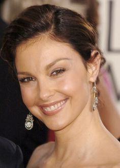Ashley Judd ~ so beautiful