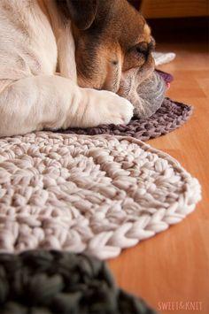 Hola!!!! Que contenta estoy con el sorteo de la alfombra sandia! la verdad es que por ahora sois bastantes participando, y aún quedan tres ...