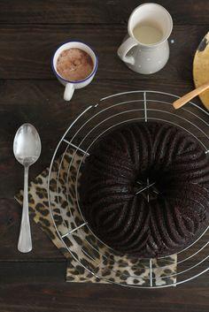 Bizcocho vegano de chocolate http://www.hornoyadorno.com/