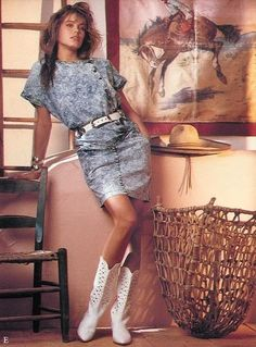 Renee Simonsen - Western white boots with acid-washed denim 1987 Fashion, 1980s Fashion Trends, 80s Trends, 80s And 90s Fashion, Retro Fashion, Vintage Fashion, Petite Fashion, Fashion Fashion, 80s Womens Fashion