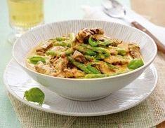 Rindercurry in Kokossoße Rezept: TK-grüne-Bohnen,Pfeffer,Zwiebel,Knoblauchzehe,Ingwer,Chilischote,Hüftsteak,Öl,Currypaste,Kokosmilch,Basilikum