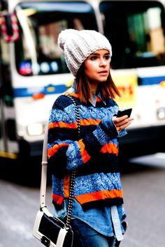 Fashion Editor Street Style: New York Fashion Week Fall 2012 . Would want a bright orange knit hat too! Fashion Editor, Fashion Week, New York Fashion, Look Fashion, Street Fashion, Fashion Models, Jersey Fashion, Fashion Idol, Net Fashion