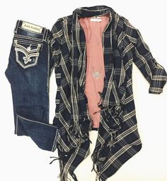 We are LOVING our new color combo in this {HT FAVE} Navy & Pink Flannel Cardigan $36 layered with :: Chiffon Dolman Tee $32 • Silver Geometric Necklace $18 • Rock Revival Skinny $169 #shophoitytoity SHOP HOITY TOITY 360.217.7684 S & 360.716.2982 M