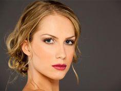 Maquiagem para campanha virtual da linha de maquiagem Una da marca Natura.