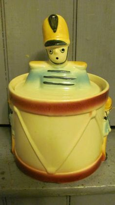 SHAWNEE COOKIE JAR c1940'S DRUM MAJOR