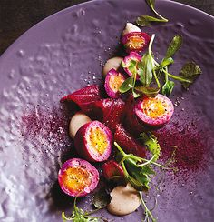 Beetroot gravadlax with beetroot pickled eggs and horseradish dressing #Tastebudladies #Beetroot
