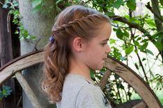 Flechtfrisuren mädchen - All For Hairstyles Kids Braided Hairstyles, Flower Girl Hairstyles, Little Girl Hairstyles, Wedding Hairstyles, Toddler Hairstyles, Medium Hair Styles, Curly Hair Styles, Natural Hair Styles, Communion Hairstyles