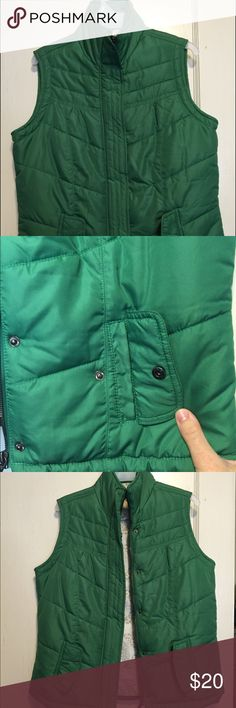 Juniors Vanity Puffer Vest Kelly green puffer vest in like new condition. Medium weight and not too bulky like most other puffer vests. *Reasonable Offers Welcome* Vanity Jackets & Coats Puffers