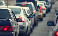 Todos los limeños hemos sufrido alguna vez con el tráfico. En cada esquina, el transporte detiene su recorrido y esta situación genera que estemos con altos niveles de estrés. Felizmente la web Pijamasurf nos brinda 7 pasos para sobrevivir a este mal.