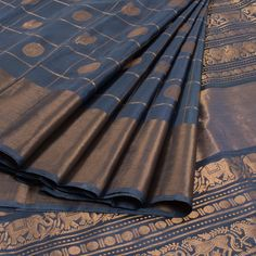 Ghanshyam Sarode Bluish Grey Handwoven Kanchipuram Silk Saree With Mayilchakram Motifs 10010094 - profile - AVISHYA.COM