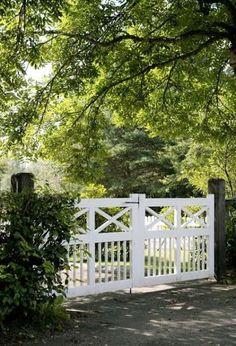 Bilder - Trivselhus hageport for hytta? Front Gates, Front Fence, Entrance Gates, Farm Gate, Fence Gate, Garden Gate, Gates Driveway, Automatic Driveway Gates, Driveway Entrance Landscaping