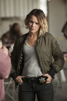 """""""True Detective's"""" Rachel McAdams says she threw up while filming the shootout action scene in episode four. True Detective Hbo, Detective Outfit, Detective Costume, True Detective Season, Rachel Anne Mcadams, Detective Aesthetic, Pop Culture Halloween Costume, Halloween Costumes, Cotton Jacket"""
