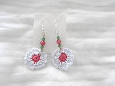pendientes de flores a crochet mas abalorios al tono