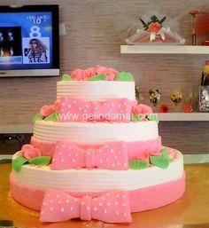 İslamoğlu / Daha fazlası için (www.gelindamat.com) #pastadiem #butikpasta #kişiyeözelpasta #weddingcake #düğünpastafirmaları #butikpastacılar #söz #nişan #babyshower #doğumgünü #özelgünleriçinpasta #wedding