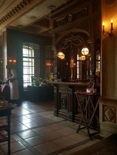 Moszkva, Patiserrie Cafe Pushkin: értékelések az étteremről - TripAdvisor Moscow, Trip Advisor, Russia, Restaurant, Home Decor, Twist Restaurant, Restaurants, Home Interior Design, Decoration Home