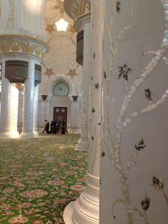 Abu Dhabi Best of Abu Dhabi, United Arab Emirates Tourism - Tripadvisor Ancient Greek Architecture, Islamic Architecture, Gothic Architecture, Architecture Design, Mayan Ruins, India Palace, Beautiful Mosques, Grand Mosque, Viajes