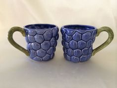 Hearth and Home Design mugs Two vintage blueberry by DotnBettys