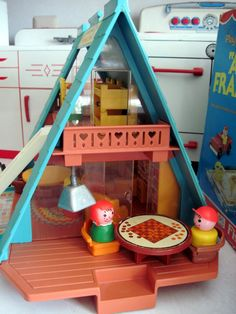 Tracy's Toys (and Some Other Stuff): Fisher Price Play Family A Frame House