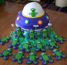 Alien Birthday Cake ball pan on top of inch rounds, sculpted to create the rounded edge; alien cookies made. Harry Birthday, 50th Birthday, Birthday Ideas, Baby Boy Cakes, Cakes For Boys, Aliens, Alien Cake, Alien Party, Space Party