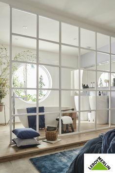 A parental suite bathed in light - Ephraim McCaffrey Home Bedroom, Master Bedroom, Toilet Room Decor, House Inside, House Windows, Loft, Minimalist Interior, House Rooms, Luxury Homes
