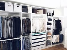 «Sundays are for rearranging your wardrobe (and for studying ofc!)!