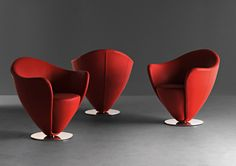Mon Petit Coeur by Peter Harvey) A small jewel, which features all of the characteristics of Mon Coeur in a smaller space, without sacrificing ease and comfort. Unique Sofas, Living Room Decor Furniture, Plywood Panels, Swivel Armchair, A Line Prom Dresses, Egg Chair, Showroom, Memory Foam, Red And White